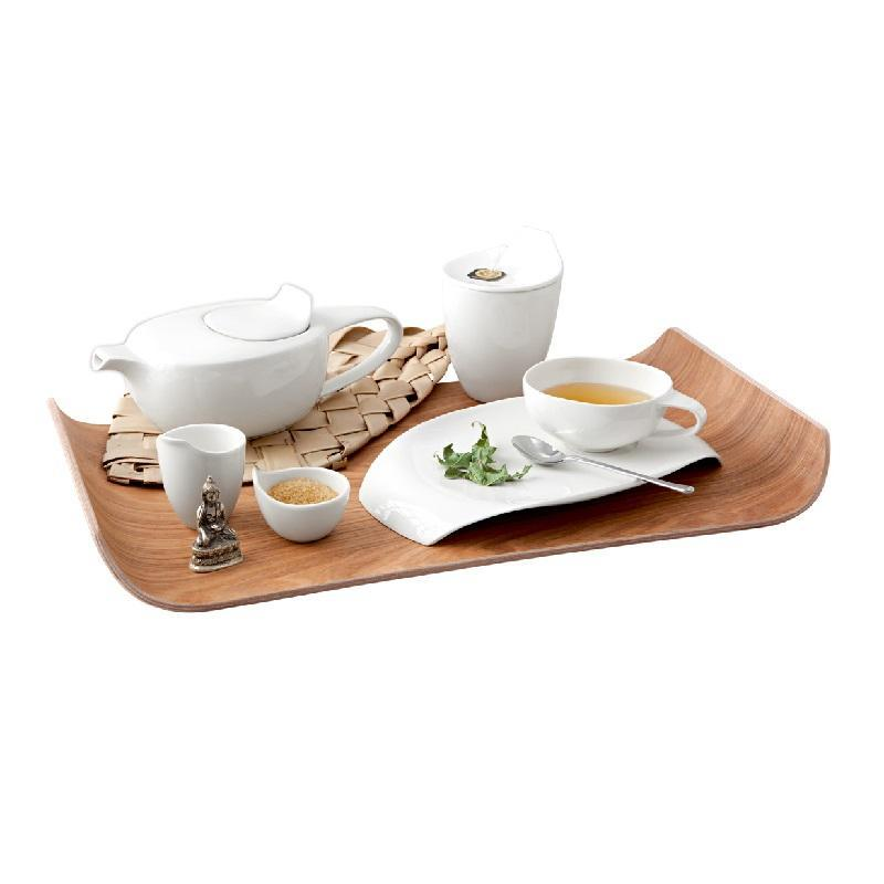 Trays and serving accessories