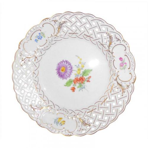 Meissen  'Neuer Ausschnitt - Blume 3 mitte bunt mit Goldrand' Teller mit Durchbruch 21 cm