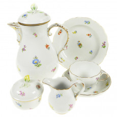 Meissen New neckline - scattered flowers colorful with gold rim coffee service 6 people 21-pcs.